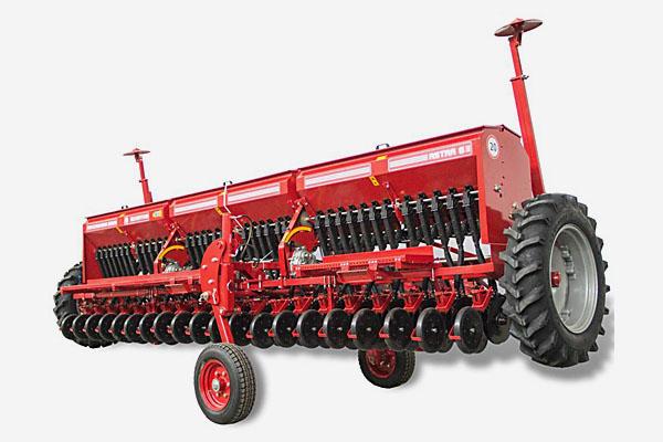Сеялка ASTRA 6 зерновая (вариатор, сошник ОЗШ 00.4130-Т, пальцевый загортач, сигнализация)(Объем бункера:  для зерна – 1245 дм3, для туков – 600 дм3)