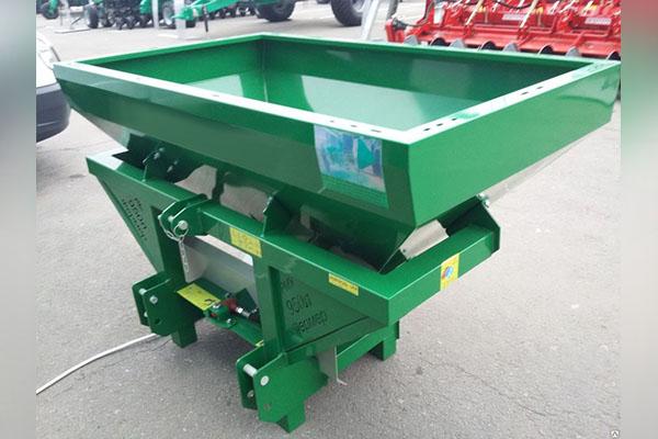 Разбрасыватель минеральных удобрений навесной РУМ Фермер 950 л. 16-20 м.
