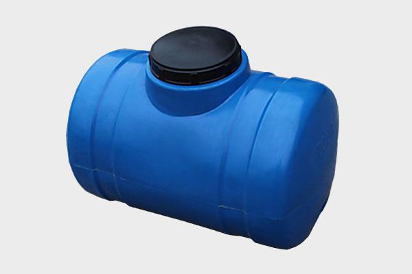 Емкость горизонтальная пластиковая 100л (2-х слойная); Д/Ш/В: 680x430x470; Люк: 250мм. «GOR 100 bluе»