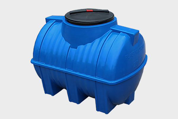 Емкость горизонтальная пластиковая 250л (2-х слойная); Д/Ш/В: 920х635х695; Люк: 350мм. «GOR 250 bluе»