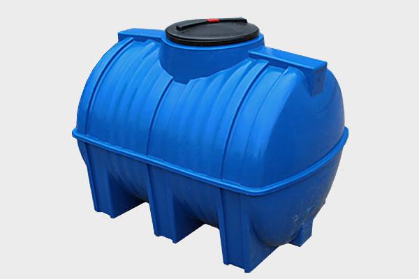 Емкость горизонтальная пластиковая 500л (2-х слойная); Д/Ш/В: 1140х810х870; Люк: 350мм. «GOR 500 bluе»