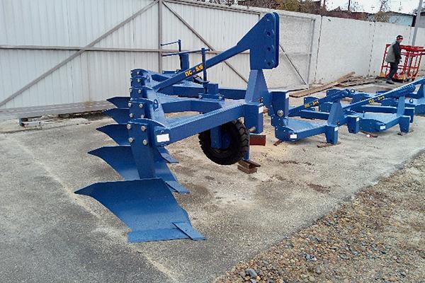 Плуг скоростной лемешный ПС-5/60 (ширина 3,0 м, мощность 180-250 л.с.) вне борозды