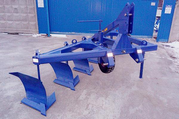 Плуг скоростной ПС-6/60 (ширина 3,6 м, мощность 220-300 л.с.) вне борозды лемешный