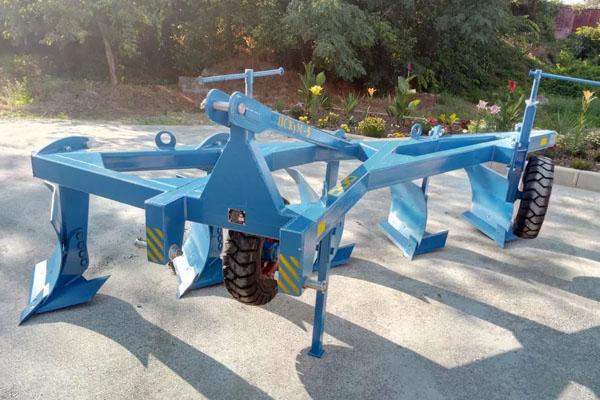 Плуг скоростной ПС-6/50 (ширина 3,0 м, мощность 200-280 л.с.) вне борозды лемешный