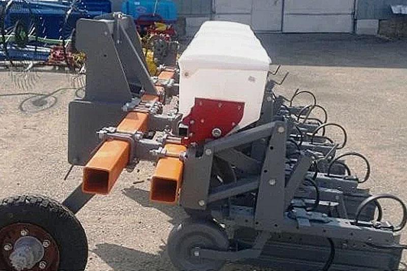 Культиватор-растениепитатель КМО-2,8 (4х70) с ЖКУ