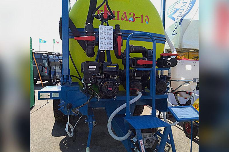 Машины для приготовления, транспортировки и заправки опрыскивателей ТОПАЗ-5C