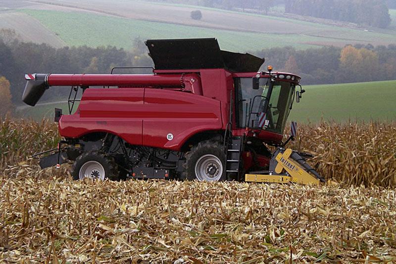Жатка кукурузная Fantini LH3 12-и рядная жатка соскладной рамой с редукторным приводом и центральным расположением измельчителя