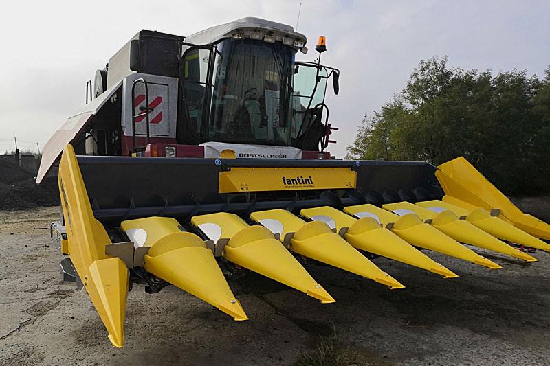 Жатка кукурузная Fantini L03 16-и рядная с редукторным приводом и центральным расположением измельчителя